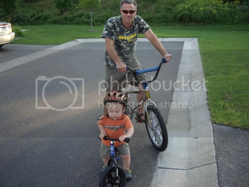 http://i712.photobucket.com/albums/ww129/matts43/willbikeoutside011.jpg